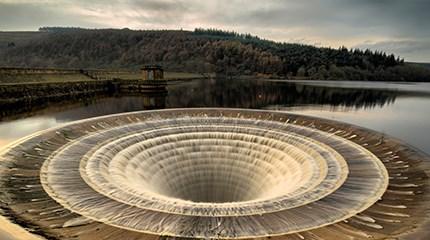 Plughole in reservoir
